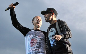 Lana Del Rey and Linkin Park dominate album charts