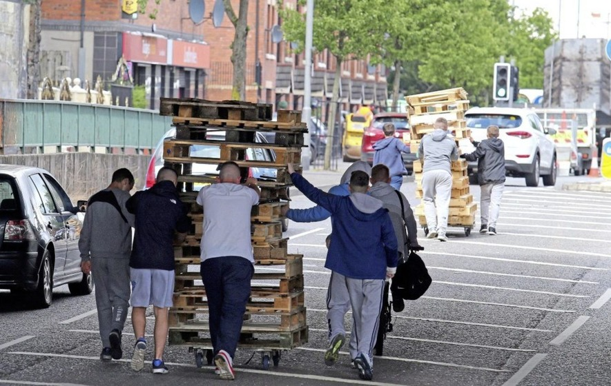 Sinn Féin condemns threats against people removing internment bonfire material