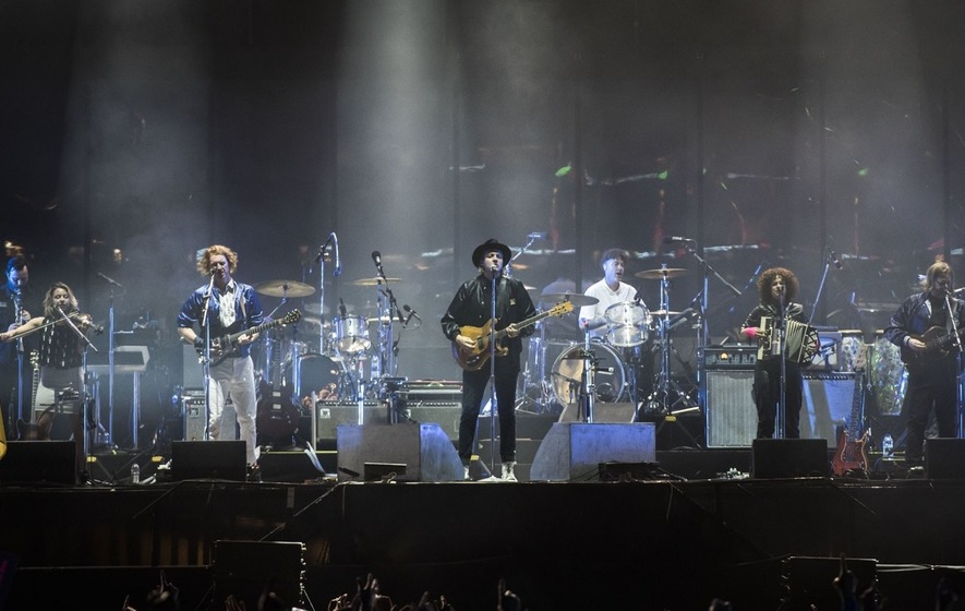 Arcade Fire on track to score third straight number one album