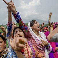 Anti-India protests in Kashmir after government forces killed senior militants in a gunbattle