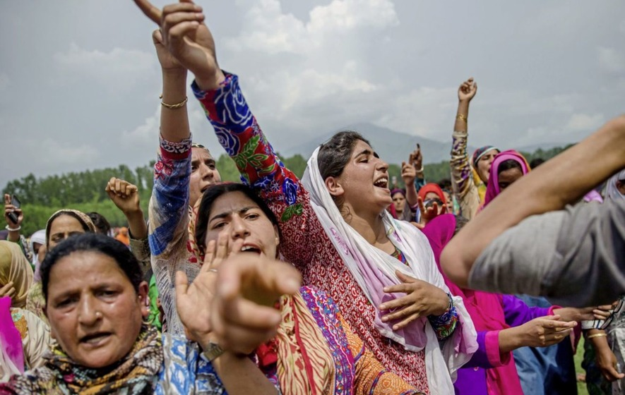 Indian troops martyr 33 Kashmiris during last month