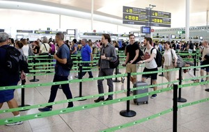 Irish holidaymakers facing delays amid passport controls chaos