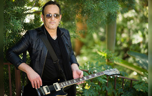 Guitarist Vivian Campbell to receive Northern Ireland music prize