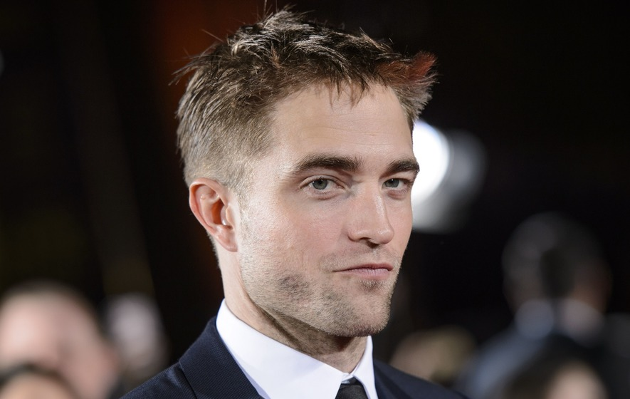 Robert Pattinson Gave Hand Job to a Dog