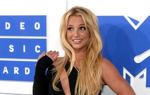 Britney Spears stage invasion: man arrested for trespass