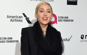 Miley Cyrus apologises for Teen Choice Awards no-show
