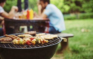 Tips to avoid giving your barbecue guests food poisoning
