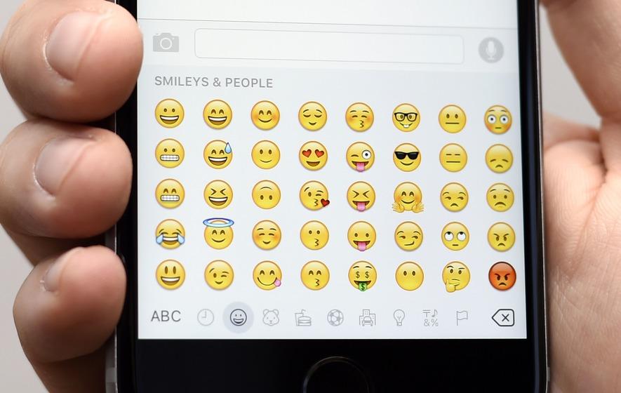 Using Emoji in Formal Mails may Create Bad Impression