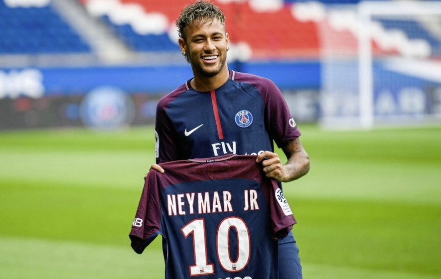 Watch PSG's Neymar Make Defenders Look Foolish With Incredible Goal
