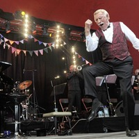 Veteran entertainer Bruce Forsyth dies at 89