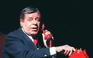 Celebrities pay tribute after death of US star Jerry Lewis