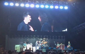Rick Astley joined the Foo Fighters onstage for an amazing rendition of Never Gonna Give You Up