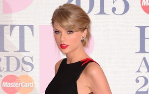 Taylor Swift breaks social media silence with creepy animal clip