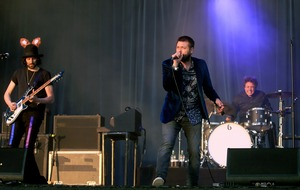 Outrage as Kasabian cancel Belfast gig at last minute as singer is hospitalised