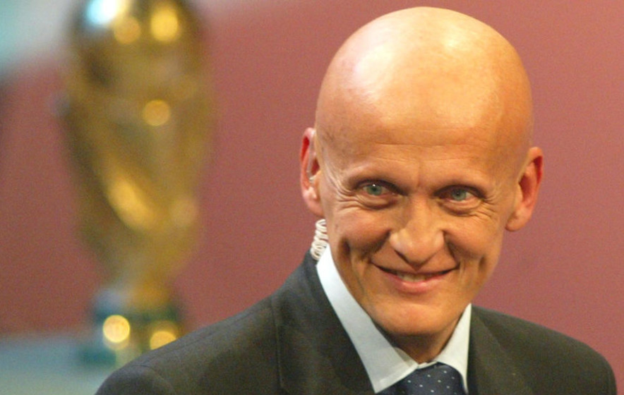 38a7cc0a27d Legendary referee Pierluigi Collina hung up his whistle 10 years today