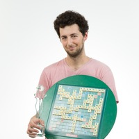This guy's knowledge of classroom furniture helped him become world Scrabble champion