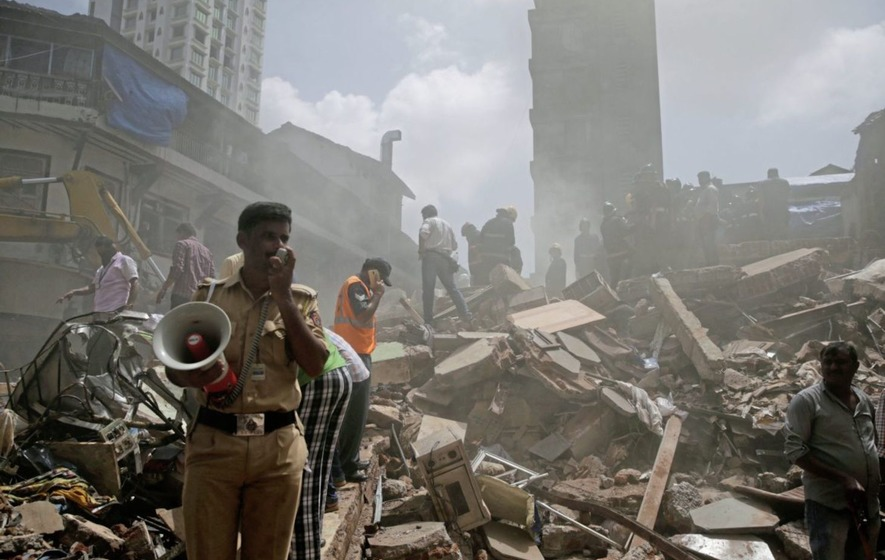 Building collapse kills at least 12 after Mumbai flooding