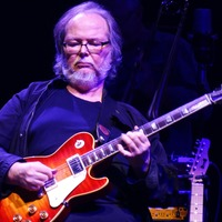 Musicians from across genres pay tribute to Steely Dan star Walter Becker
