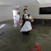 See the heart-wrenching scenes of Texans returning to their waterlogged homes