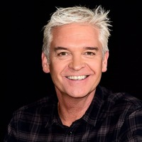 Phillip Schofield fronts campaign to find Tower of London poppies
