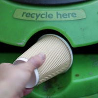 A new smart bin can identify rubbish and correctly recycle it