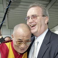 Dalai Lama joins Joanna Lumley for 20th anniversary conference of Children in Crossfire
