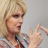"""Joanna Lumley pays tribute to """"Derry Lama"""" Richard Moore"""