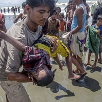 Mass exodus of Rohingya fleeing Burma violence continues as thousands cross to Bangladesh