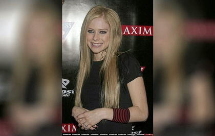 Sleb Safari:  Avril Lavigne is the most dangerous celebrity on the internet
