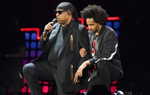 Stevie Wonder 'takes a knee for America' to support NFL amid Trump clash