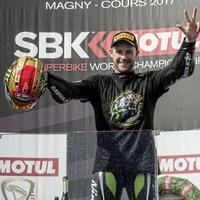 Jonathan Rea roars into the Superbike history books