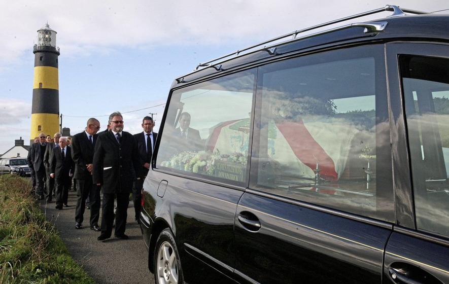Funeral of 'kind' lighthouse keeper who struck up friendship