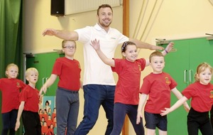 Rugby star Tommy Bowe encourages kids to get off the sofa and get active