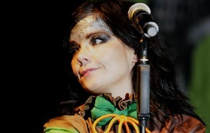 Singer Bjork reveals further details of sexual harassment claims