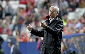 Jose Mourinho defends tactics after Manchester United edge Benfica in Champions League clash in Lisbon