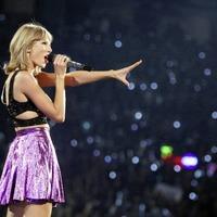 Sleb Safari: Taylor Swift has done a Rihanna