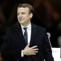 Macron puts Irish border onus on UK