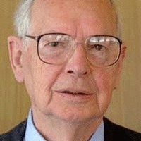 Sir Ninian Stephen: Australian judge who chaired Stormont talks