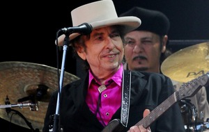 Bob Dylan's old guitar sells for more than £300k at auction