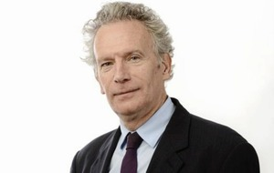 Irish Times columnist Fintan O'Toole appointed as Seamus Heaney biographer