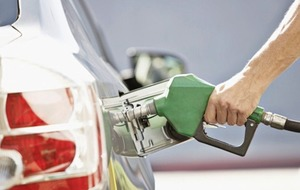 Falling fuel costs helps inflation rate remain steady at 3%