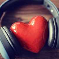 Generous people really do listen to their hearts, scientists find