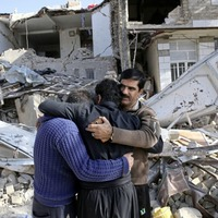 Many Iranians still awaiting aid three days after earthquake killed hundreds