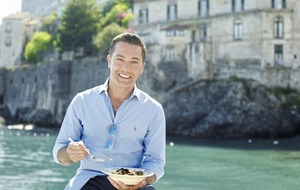 Gino D'Acampo cooks up a storm on the Italian coast