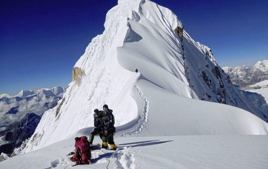Adventurer Noel Hanna tells of being first to conquer Himalayan peak Burke Khang