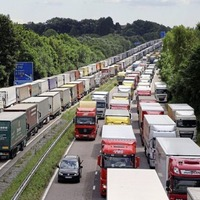 Minister warns of Brexit border 'chaos' with gridlock on north's roads