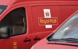 Royal Mail warns union talks could hit performance