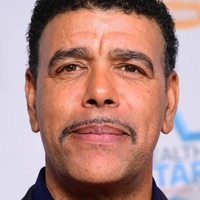 Chris Kamara praises cops for catching suspected car thief in his garden