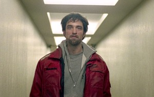 "Robert Pattinson on being ""invisible"" for new movie Good Time"
