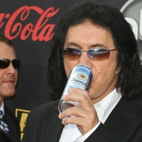 Gene Simmons flashes lengthy Kiss tongue on early morning television